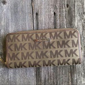 FIRM - Michael Kors Wallet